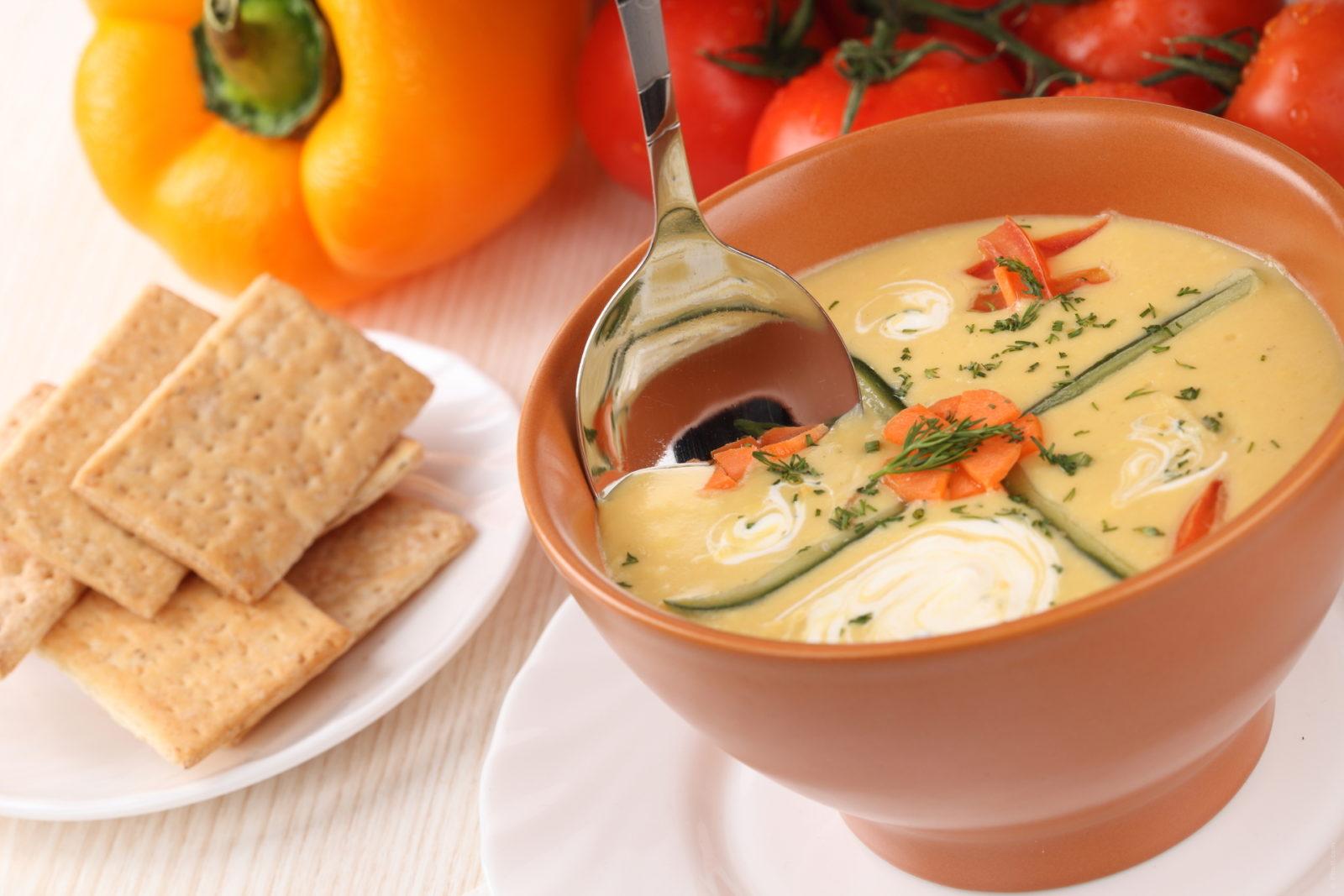 jedzenie zupy