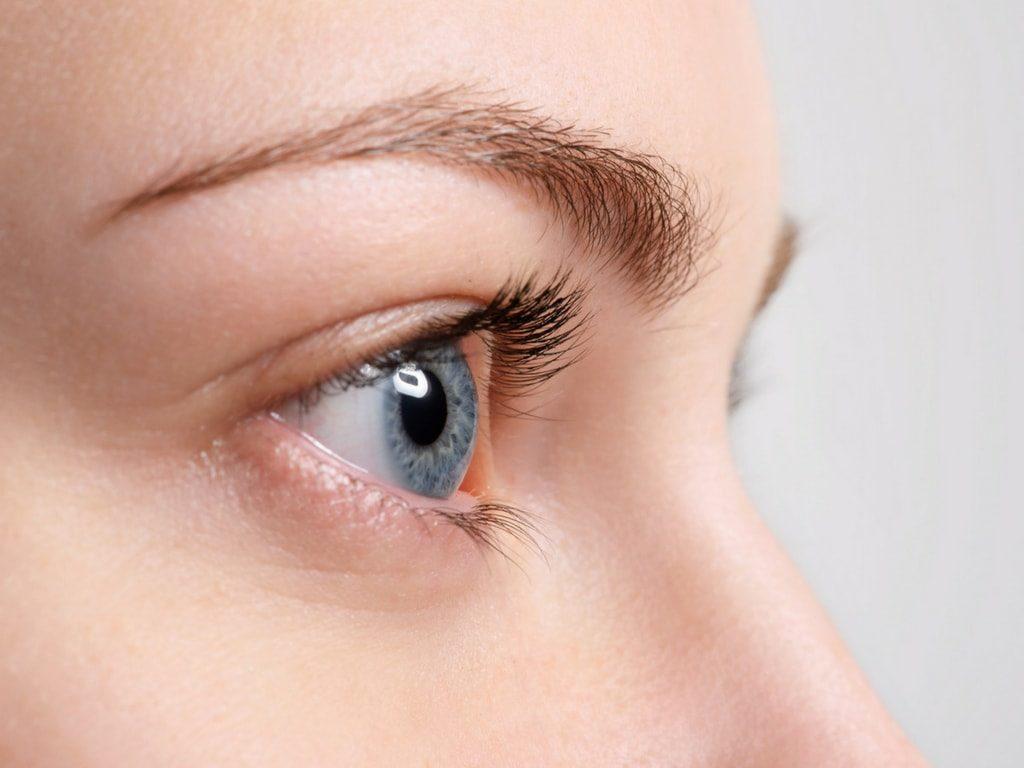 zasada trzeciego oka w makijażu